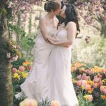 hayden phoenix photography two lesbian brides kissing